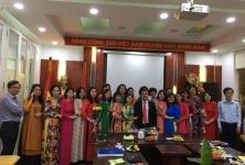 Lãnh đạo Cục Kinh tế hợp tác và Phát triển nông thôn tổ chức gặp mặt và chúc mừng ngày mùng 8/3 tới toàn thể chị em phụ nữ